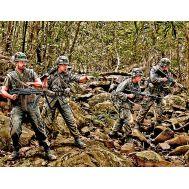 Патрулирование. Война во Вьетнаме масштаб 1:35 MB3595, фото 1