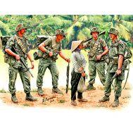 Патрулирование. Война во Вьетнаме масштаб 1:35 MB3599, фото 1