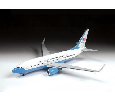 Пассажирский авиалайнер Боинг 737-700 С-40B масштаб 1:144 ZV7027, фото 4