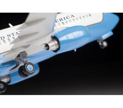 Пассажирский авиалайнер Боинг 737-700 С-40B масштаб 1:144 ZV7027, фото 6